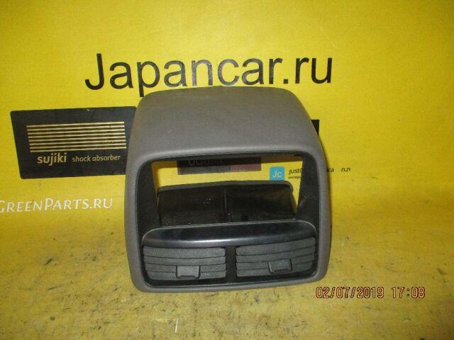 Консоль магнитофона на Toyota Gaia SXM10G