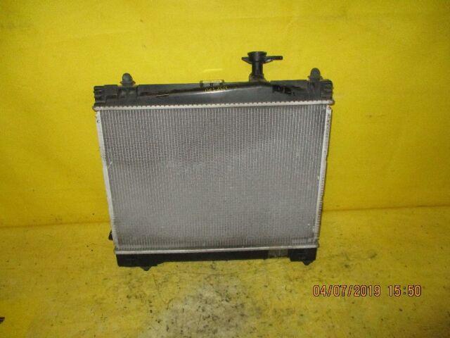 Радиатор двигателя на Toyota Vitz NSP130 1NR-FE