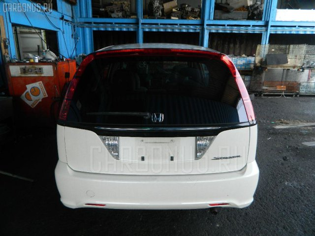 Бампер на Honda Stream RN1