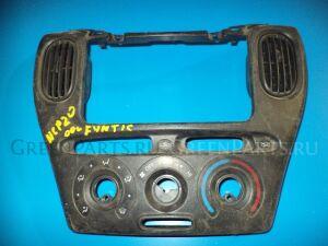 Консоль магнитофона на Toyota Funcargo NCP20 2NZ-FE