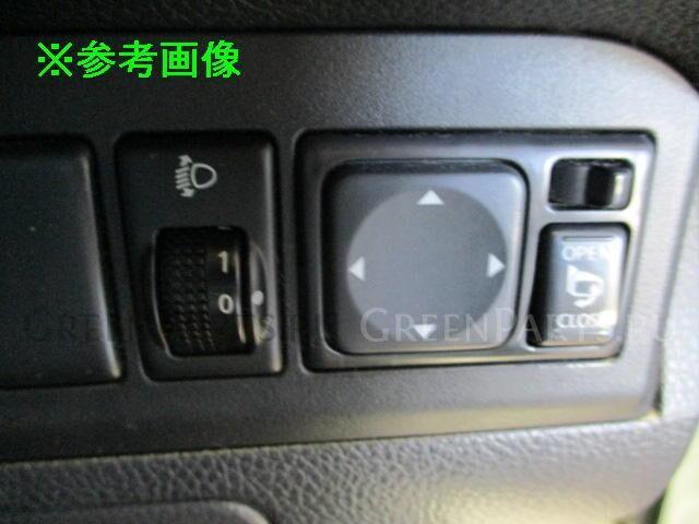 Фара на Nissan Note E11 HR15DE
