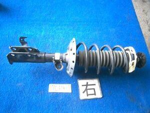 Стойка амортизатора на Honda Fit GP1 LDA-MF6-51