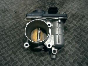 Дроссельная заслонка на Nissan Juke YF15 HR15DE