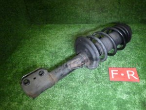 Стойка амортизатора на Toyota Corolla Fielder NZE164G 1NZ-FE