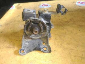 Подушка двигателя на Nissan C24 QR25/QR20