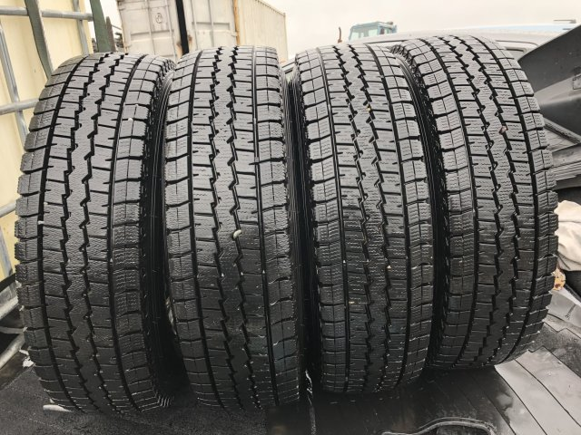 шины Dunlop Winter Maxx 165/80R13LT на дисках Toyota R13