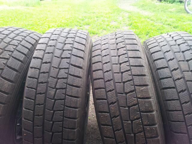 шины Dunlop 185/70R14