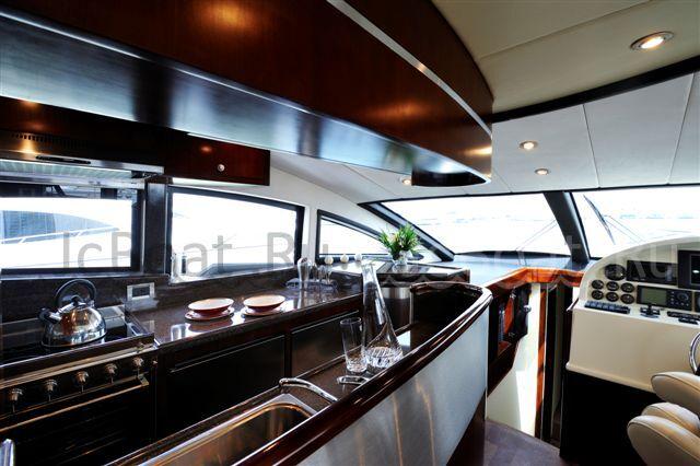 яхта моторная FW600 2008 г.