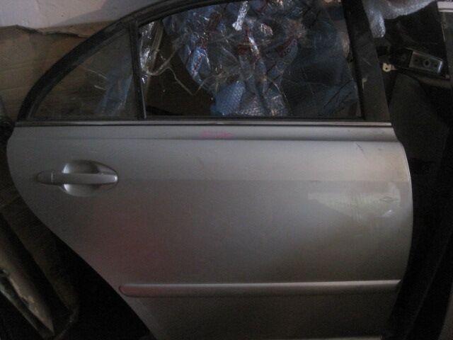 Дверь на Toyota Avensis AZT250