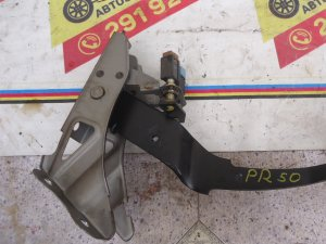 Педаль тормоза на Nissan Terrano PR50 TD27