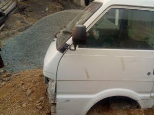 Кабина на Mazda Bongo SE28M