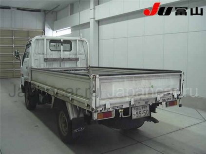 Грузовик TOYOTA HIACE TRUCK 1995 года во Владивостоке
