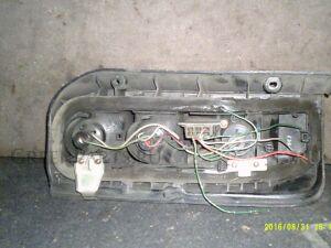 Стоп-сигнал на Toyota Hiace TOYOTA HIACE KZH100G, KZH106G,LH102V, LH103V (89-0 3308-031