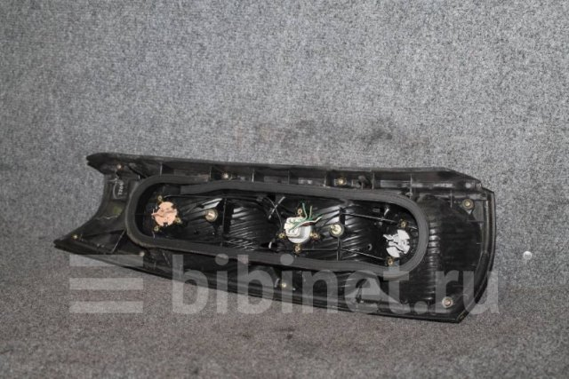 Фонарь на Toyota Raum EXZ10 46-3