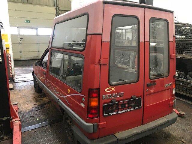 Генератор на Renault Rapid номер/маркировка: 7700436623