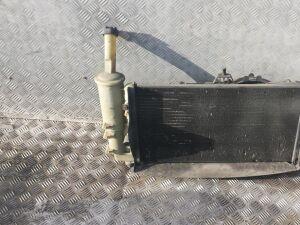 Радиатор на Fiat Punto