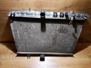 Радиатор на Peugeot 406