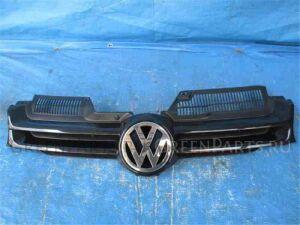 Решетка радиатора на Volkswagen Golf WVWZZZ1KZ8U021460 BMY